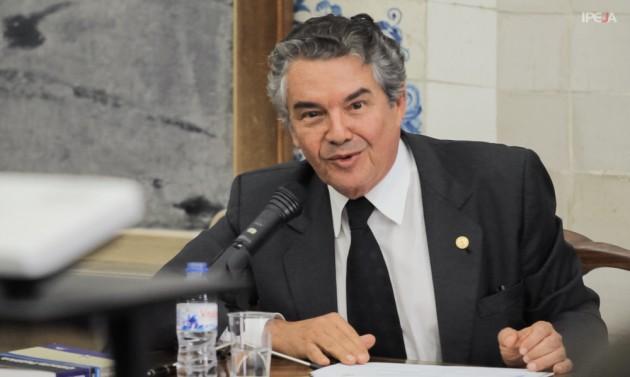 Ministro Marco Aurélio Mello durante apresentação no Seminário de Verão 2014.