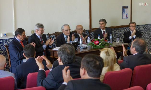 """A primeira mesa da tarde de 6/julho que debateu o tema: """"Que papel para as diversas jurisdições?"""""""