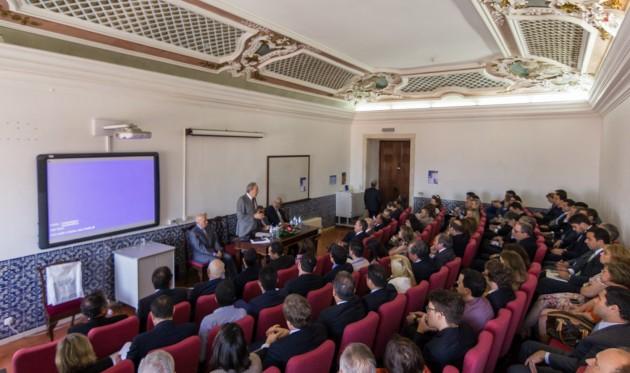 O evento ocorre na tradicional Sala 09 da secular Faculdade de Direito da Universidade de Coimbra.